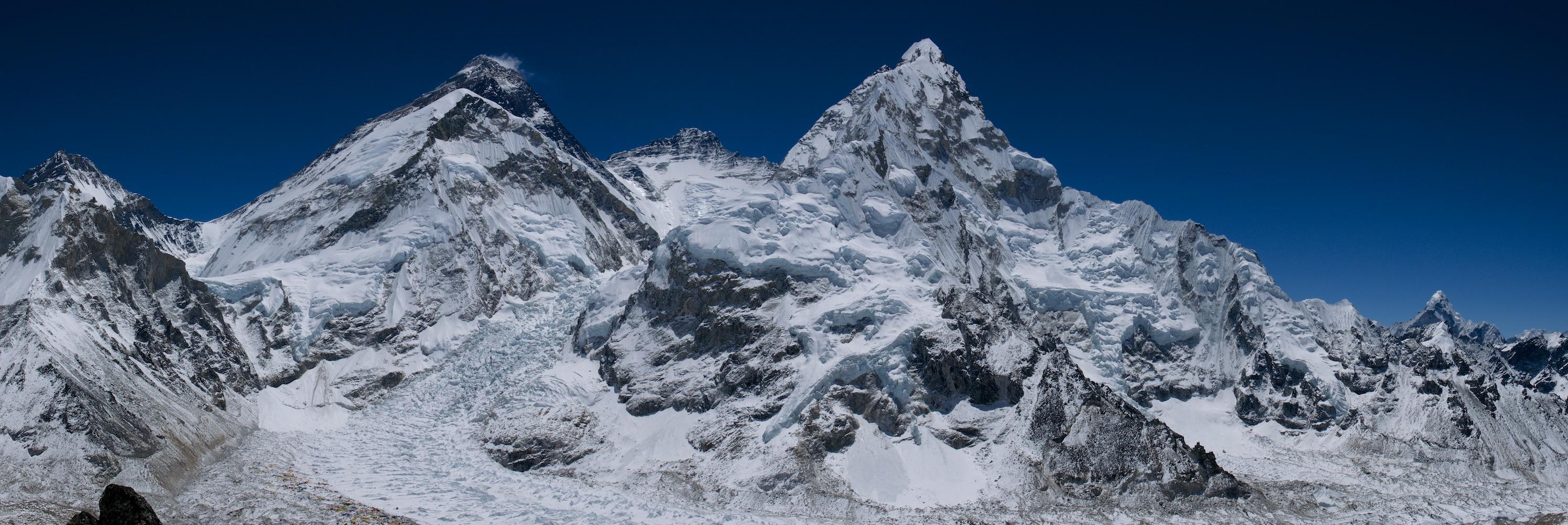 Everestin massiivi ja Khumbu-jäätikkö