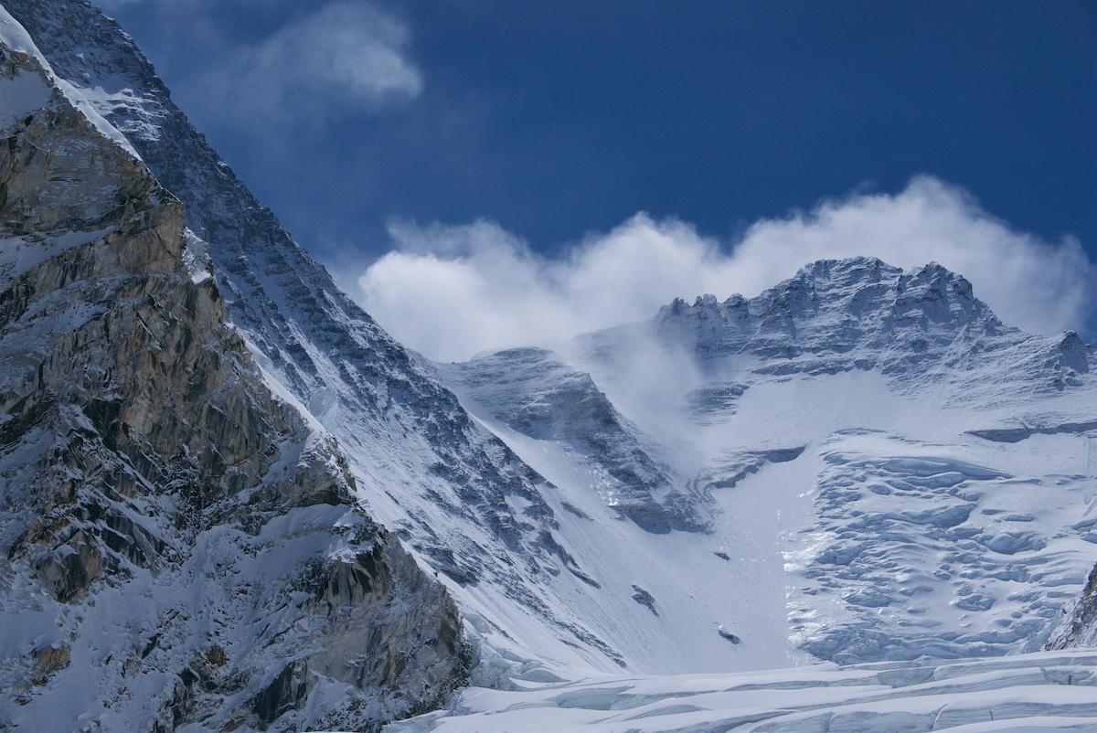 Everestin Eteläsola, Genevenkannus ja Lhotse