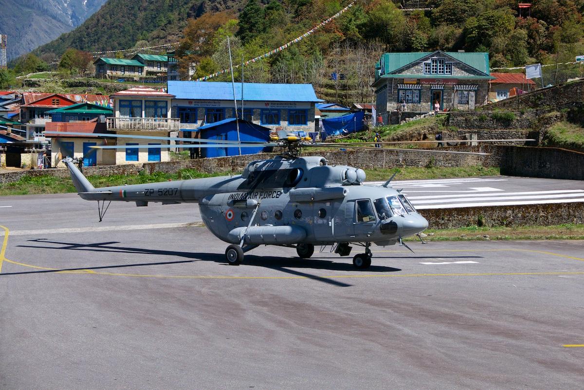 Intian Mi-17-helikopteri Luklassa